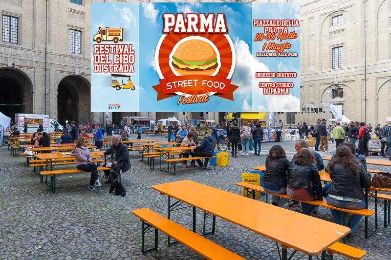 """Une place en centre ville, une scène, des """"food-trucks"""" : tout pour passer un bon moment dans une bonne ambiance ! C'est le Street Food Festival de Parme - Italie"""